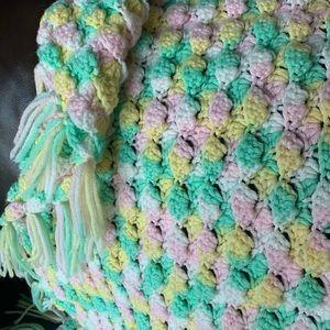 Bedding - Blanket Throw Afghan 36x36